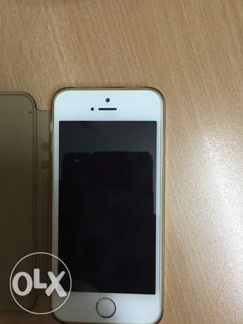 iPhone 5s 16 GB best condition with exclusive flip cover