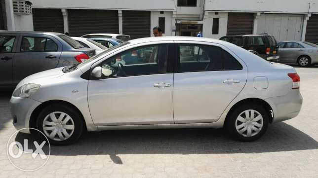 Toyota yaris in absolutely in good condition single handed used. مسقط -  4