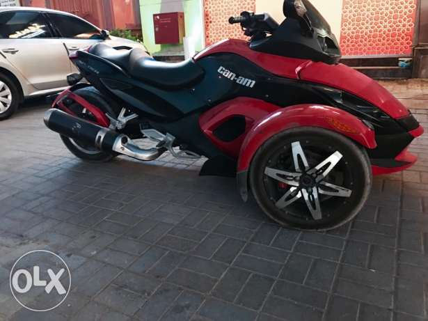 can am spyder Rs للبييع