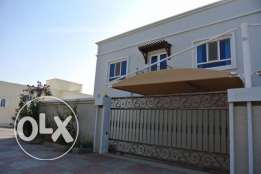 nice villa for rent in almawaleh south with coverd parking