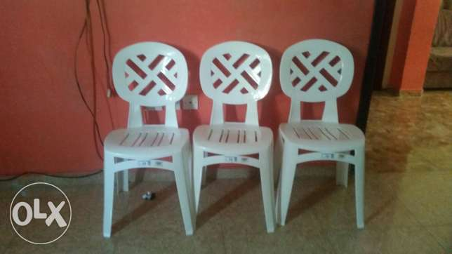 plastic chairs for urgent sale