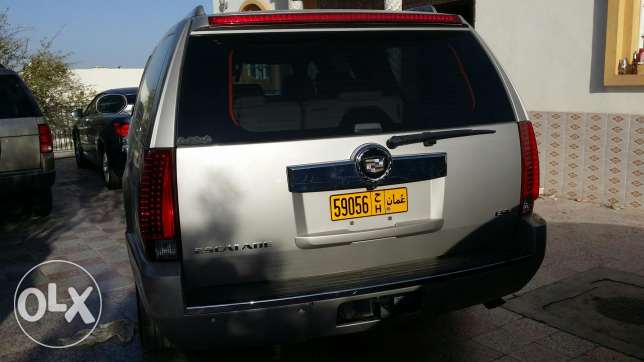 Cadilac esclade for sale only السيب -  3