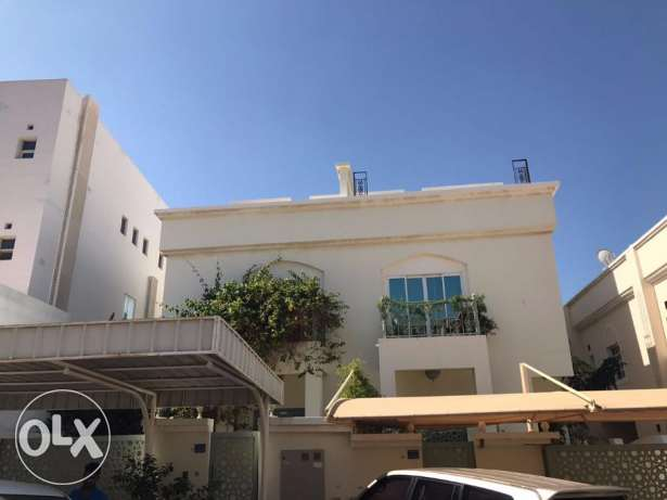 F2-Excellent 5BHK+1Maid Villa For Rent in Al Khuwair 29 Nr. ABA School