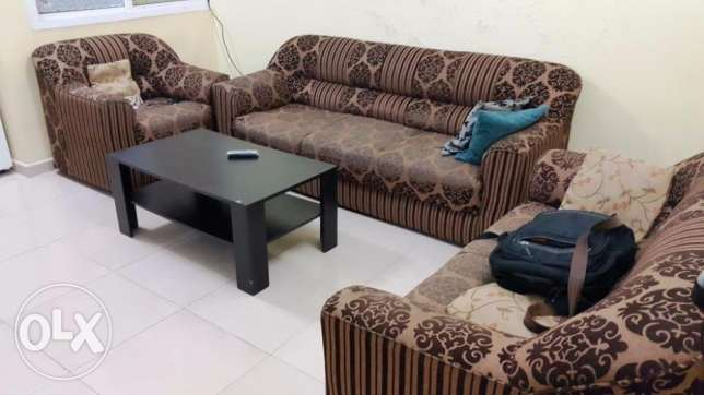 Selling 7 seats Sofa + Table and Bed with Mattress مسقط -  1