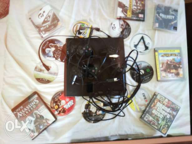 Ps3 with 9 games and 3 controll