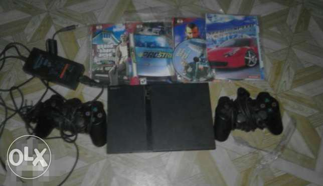 Selling play station 2 in urgent