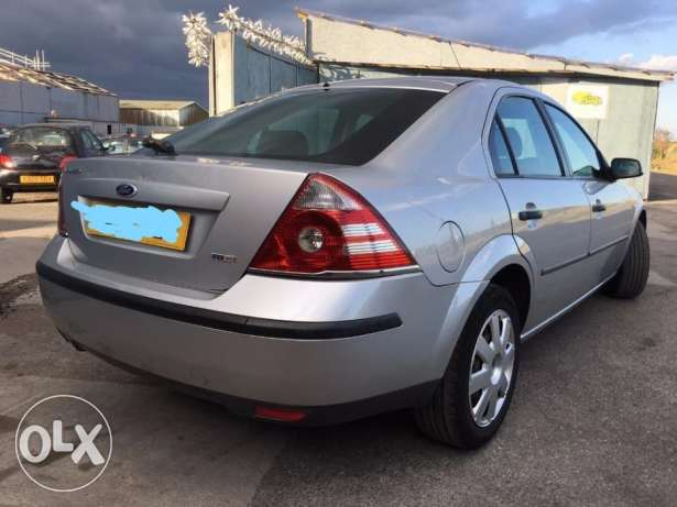 Ford Mondeo only 49,200km lady expat used
