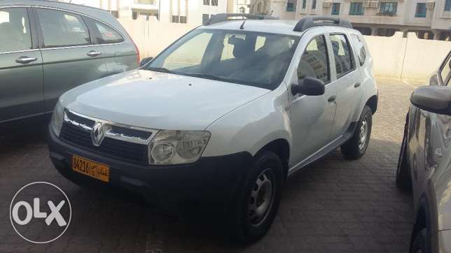 Renault duster 2013 model fully auto - clean & neat مسقط -  1