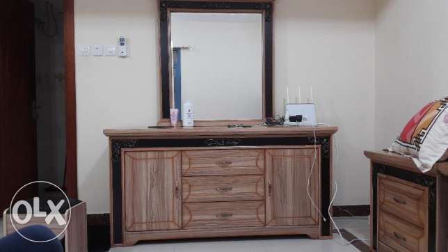 Dressing Table with sitting stool