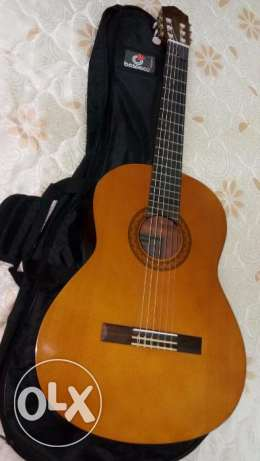 GUITAR FOR SALE in Qurayat muscat