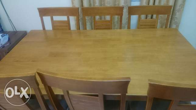Urgent sale of dinning table with 6 chairs