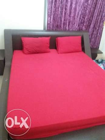 Bedroom for sale, Expat family