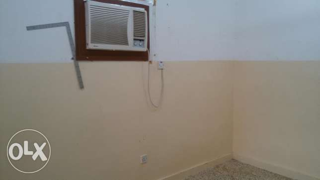 Room for rent in wadi adi bathroom and kitchen مسقط -  3