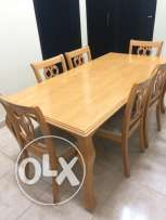 Dining Table with 6 chairs in perfect condition