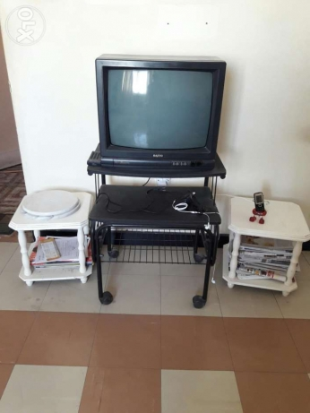 "24"" TV + Trolley"