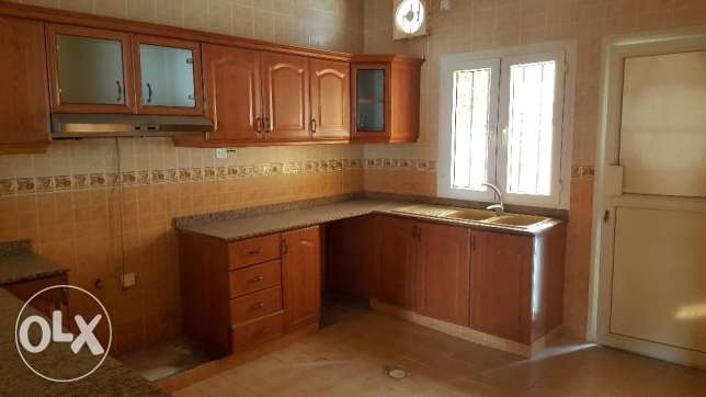 5bhk compound villa in azaiba for Rent مسقط -  2
