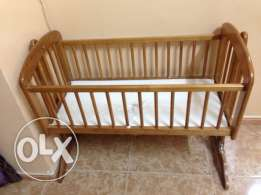 Rocking baby crib for 5 omr