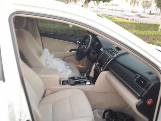 Agency maintained 18 month old Toyota Camry 25000 km مسقط -  5