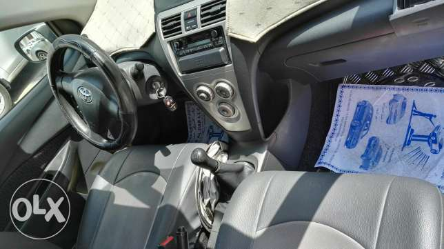 Toyota yaris in absolutely in good condition single handed used. مسقط -  3