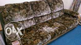 Comfortable couch/sofa set