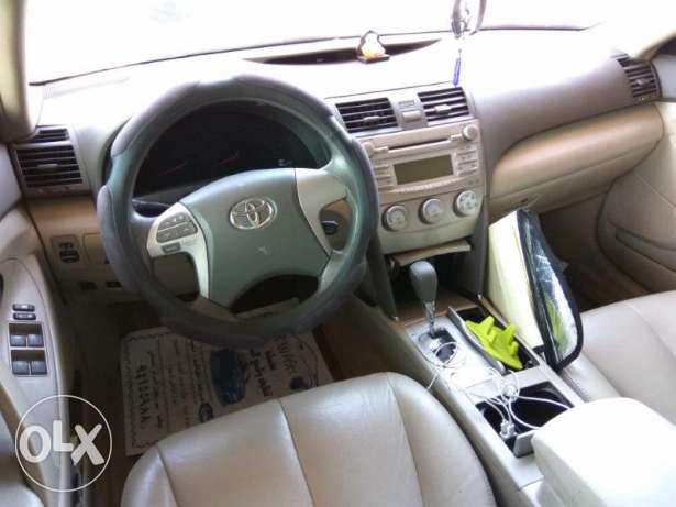 Expat Driven Toyota Camry in Mint Condition صحار -  6