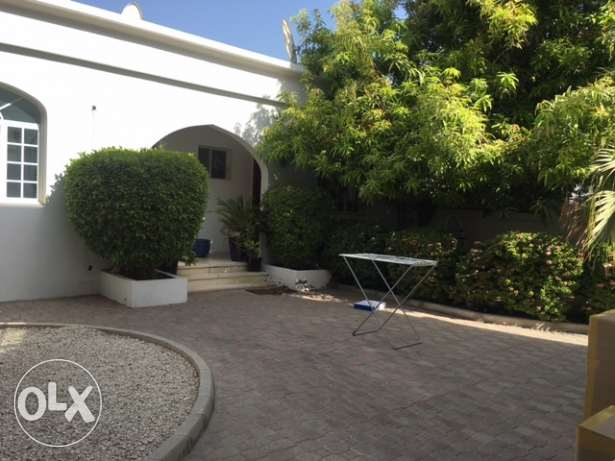 Shatti Qurum 6 BR private villa for rent. مسقط -  3