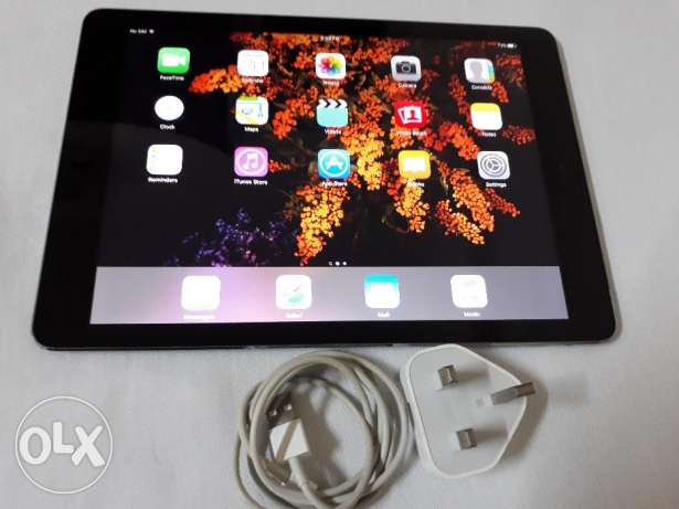 Ipad air 32gb Wi-Fi +cellular 4g excellent condition with charger