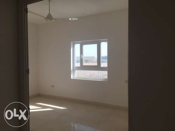flat and shops for rent مسقط -  4