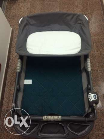 Graco Musical & Vibrator Baby Bed