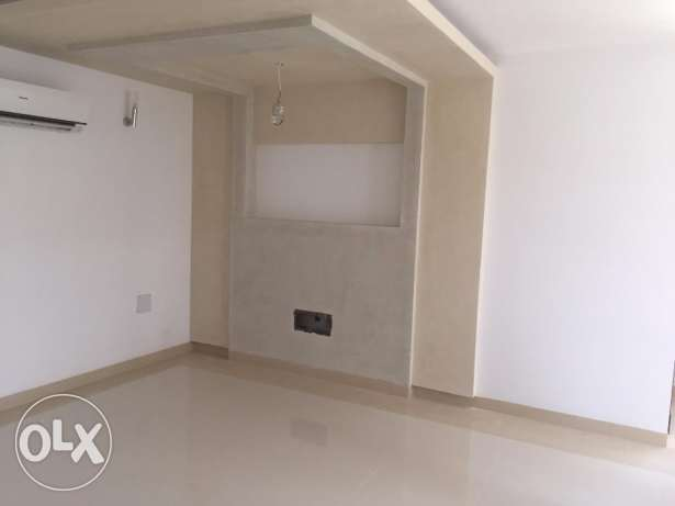 Semi Furnished 2BHK Residential Flatt for Rent near The Wave السيب -  1