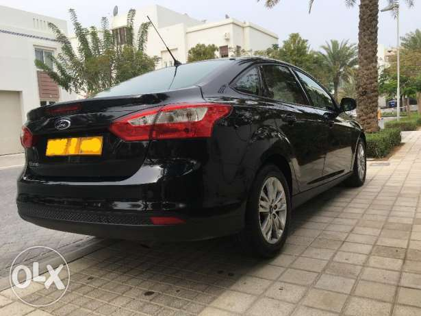 2015 Ford Focus Trend 42000km only مسقط -  4