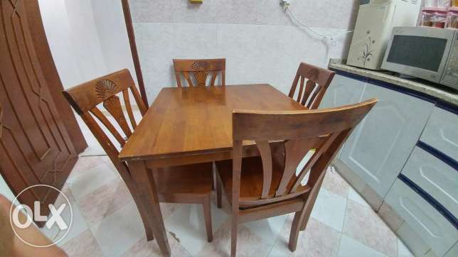 Wooden table for sale مسقط -  1
