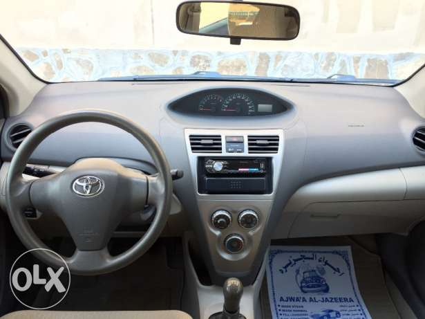 2011 Toyota Yaris Manual صحار -  2