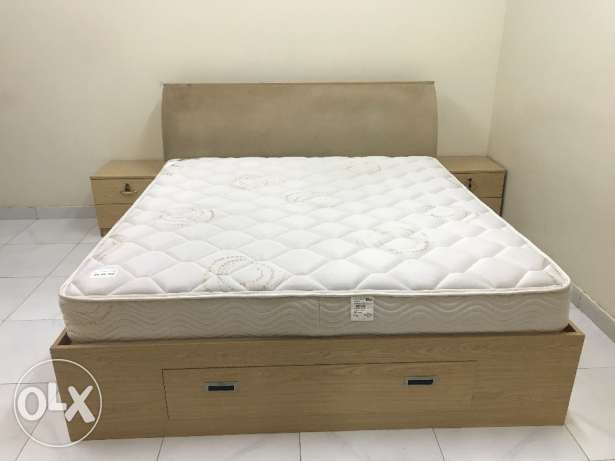Bed,wardrobe,dressing table Urgent sell