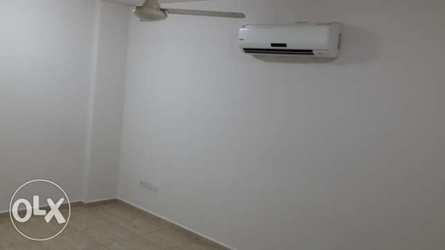flat for rent in mazoun street in a book shop building مسقط -  5