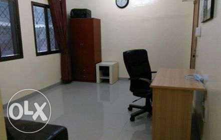 Bedroom with attached bathroom for rent wadi kabir 110 including wifi مسقط -  5