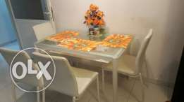 Dinning table (last chance)