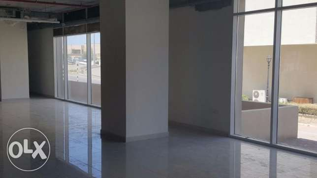 very good Showroom for Rent in Qurum