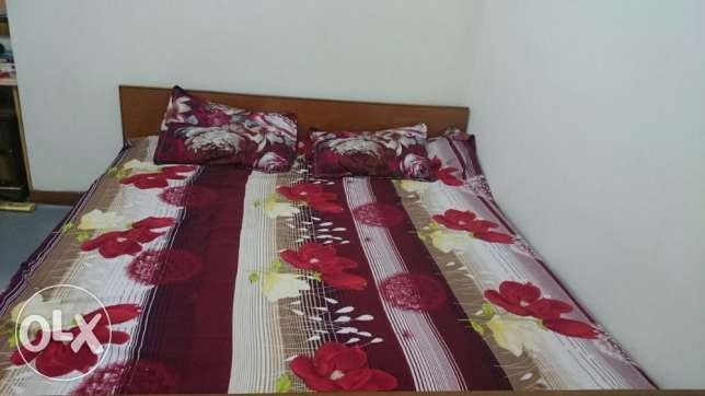 Kingsize bed with mattress مسقط -  5