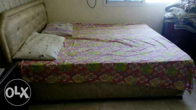 King size khat with mattress مسقط -  1