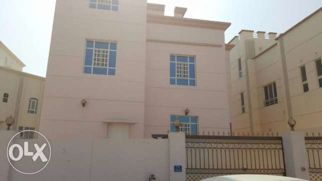 e1 brand new villa for rent in al ansab بوشر -  1
