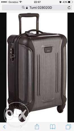 Tumi Vapor International Carry On Suitcase in Excellent Condition