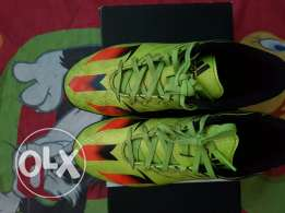 Football shoes messi s