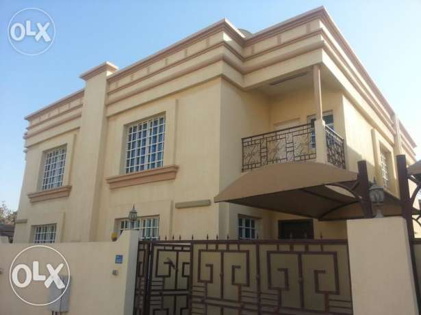 Deluxe 5BHK New High Quality Villa for RENT in Al Khud Nr.Dominoz Pizz