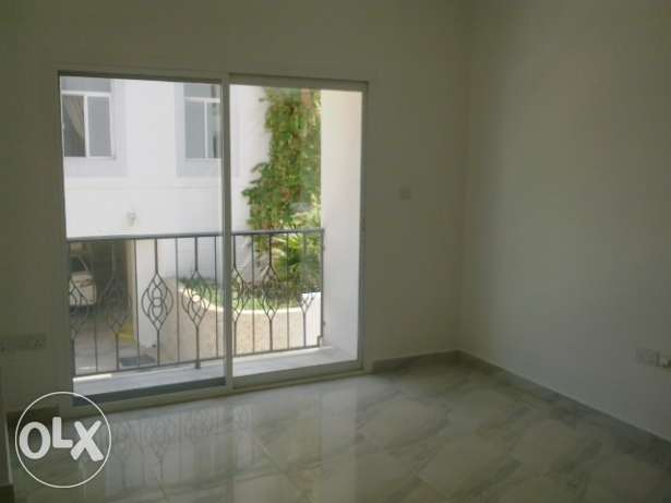 5 Bedroom Villa in a Small Compound in Madinat Al Illam with Pool مسقط -  4
