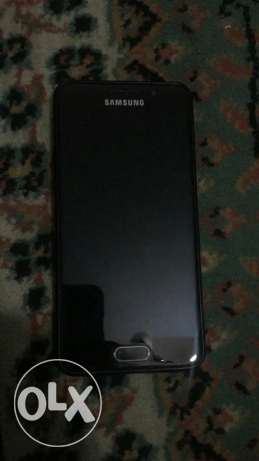 Samsung A3 2016 gold like a new is use this phone only 5 months