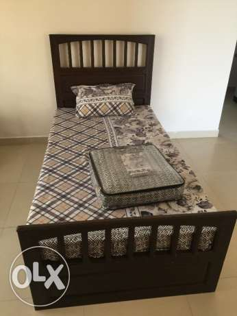 Single Bed with Built-in Drawers