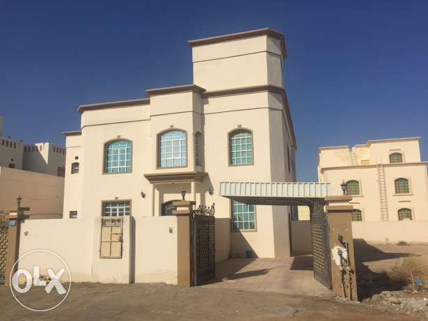 Wide Flat in South Ma'abila (first floor) 2 minutes to Indian School السيب -  1