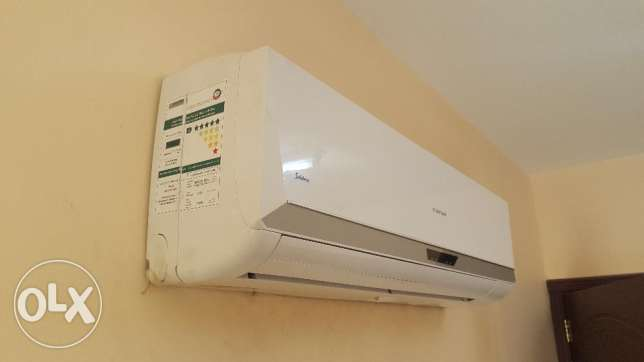 Split AC - for SALE مسقط -  2