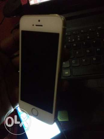 Genuine I phone 5s Gold 64 GB with facetime and warranty الغبرة الشمالية -  2